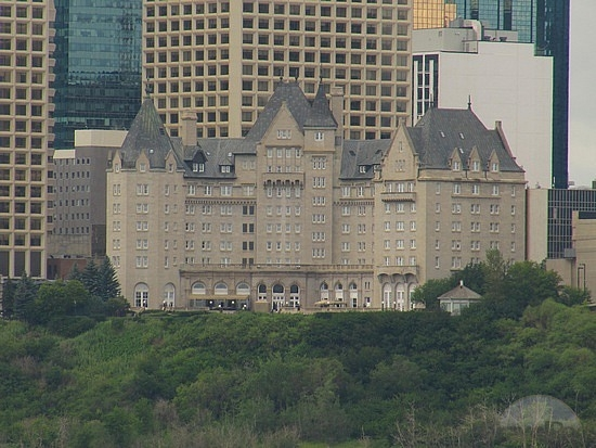 Fairmont Hotel MacDonald - Top Luxury Things in Edmonton